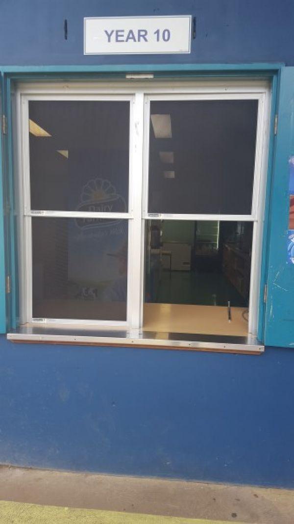 school-canteen-17267F0CA-A6B1-2795-66F3-85EAC13DFCA6.jpg