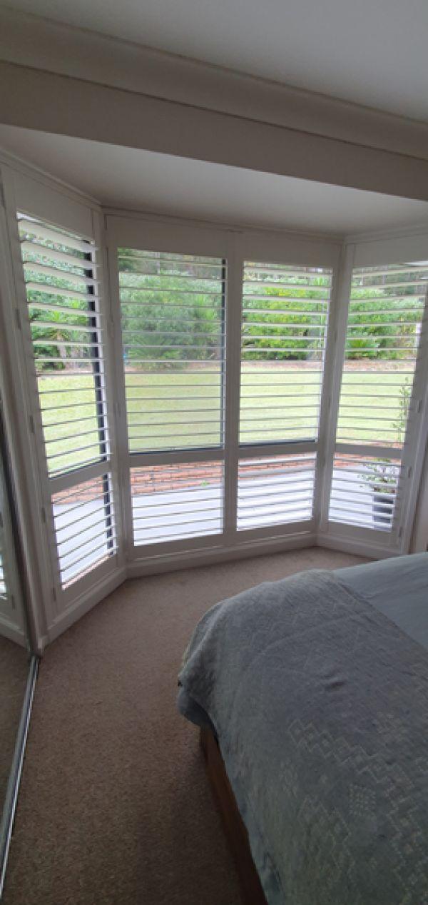 plantation-shutters-bay-window5F37D4E4-9644-FFE1-EAC8-4BBBB8D7B934.jpg
