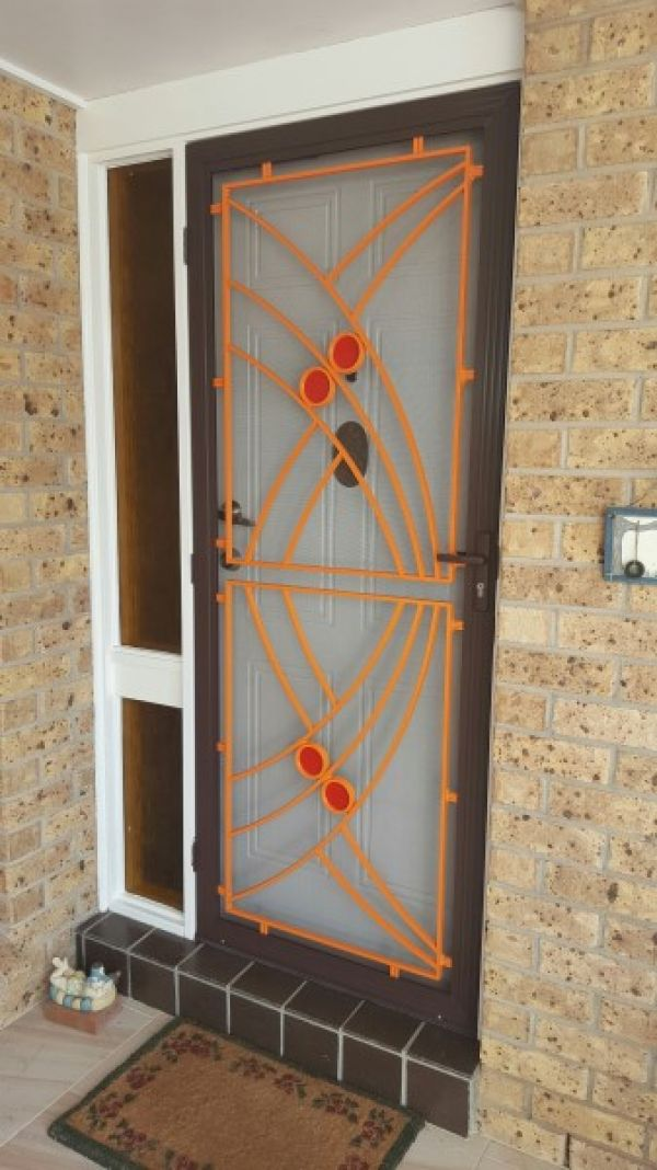 colonial-cast-door-brown-and-orange3CCD8A31-3D04-7733-279B-509AE399B634.jpg