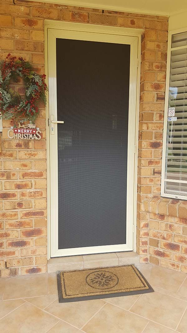 vision-guard-door-outsideC53A4681-CA13-FA03-AD9C-D86D682EFF60.jpg